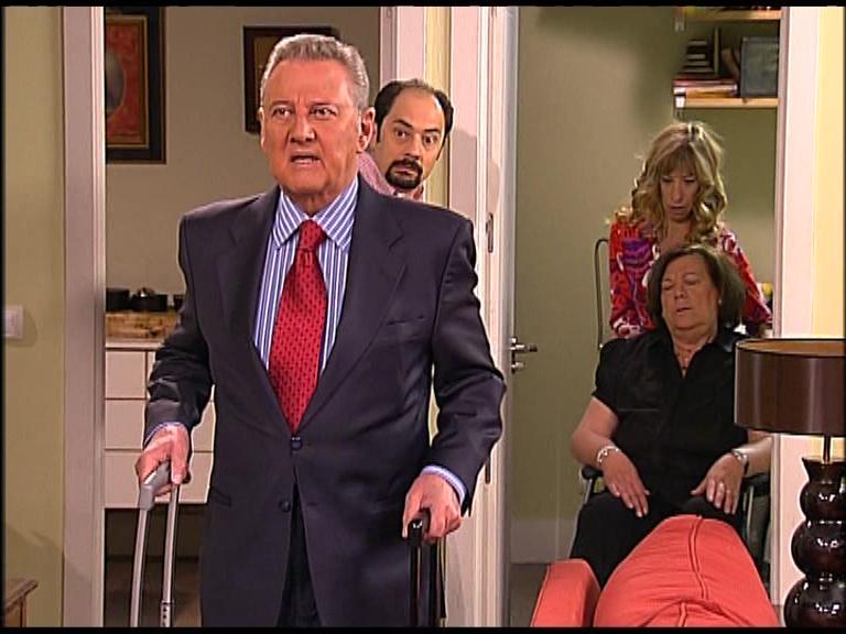 Carlos Larrañaga interpretó al Padre de Berta en LQSA 3x08